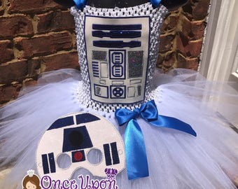 R2D2 tutu. R2D2 dress. R2D2 costume. R2D2 dress up. R2D2 Halloween costume. Cosplay.