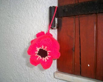 Decorative ball with poppies