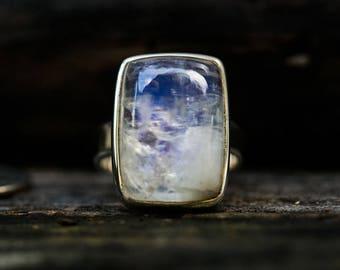 Moonstone Ring Size 8 - Rainbow Moonstone Ring Size 8 - Blue Moonstone ring - Rainbow Moonstone Ring Size 8 Rainbow Moonstone Ring 8