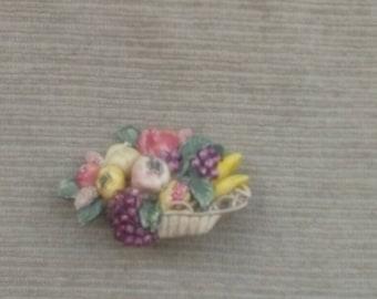 1940s brooch/fruit brooch/plastic brooch/