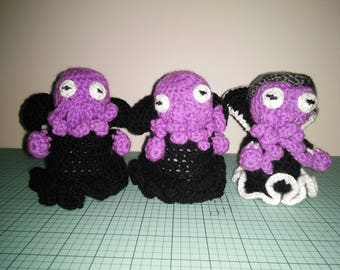 Crocheted Mind Flayer Clarota with Helmet of Protection