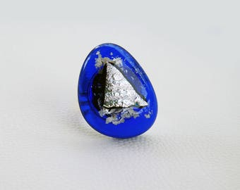Adjustable blue glass ring with silver dichroic