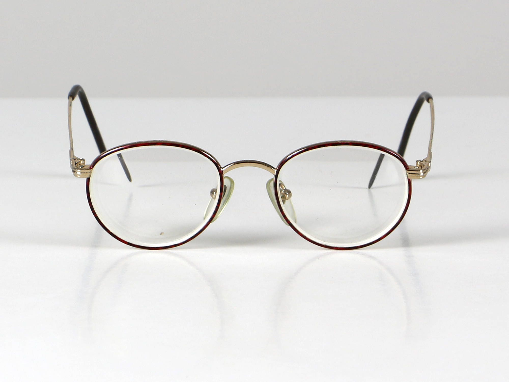 68a76f99f3 Red round glasses