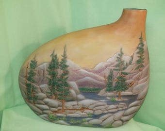 Mouontain Lake Kidney Vase