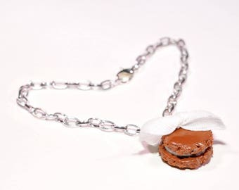 Chocolate flavor macaron bracelet