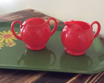Sterilite Red Plastic Creamer And Sugar with Lid /Childs Play Set/Picnic Set
