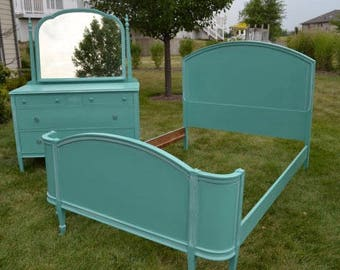 Double/full Bed vintage green/blue .   Bedroom set also available