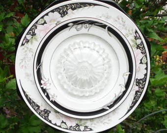 Plate Flower in Pink Black and White Floral