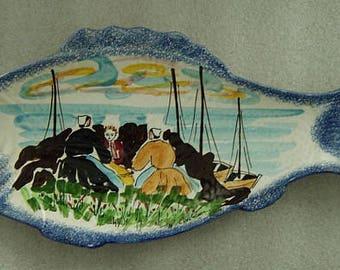 large Pornic Croix de-vie St. Gilles faiance serving fish platter plate