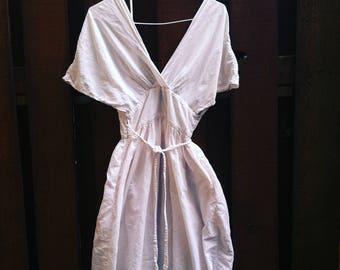 XS/S/M 70s Indian cotton wrap dress midi white deep v neck pockets XS S M extra small medium plunging plunge flowy kimono sleeves high waist