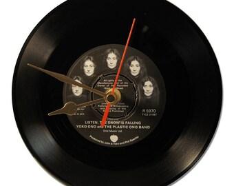 """JOHN LENNON & YOKO ONO """"HAPPY XMAS"""" VINYL clock"""