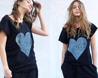 Woman T-shirt Grey on Black Love Heart Print boyfriend T-shirt Silkscreen Valentine's