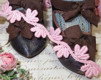 1y FRENCH PINK CROCHET Cotton Rayon Lace Trim Ribbon Vintage Schiffli Venise Crochet Trim Applique Wedding Jacquard rococo Rosette