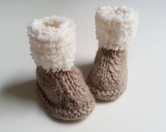 slippers bootees baby from 0 to 12 brown and ecru woolen hand-knitted months