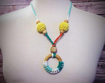 Natural Nursing Necklace/Natural Teething Necklace/crochet necklace/natural wooden beads/natural maple teething ring/organic coconut oil