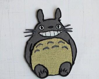 5.5 x 7.5 cm, Totoro Iron On Patch (P-511)