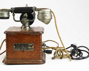 Antique French C.M. 47 walnut wood case desk telephone 1934