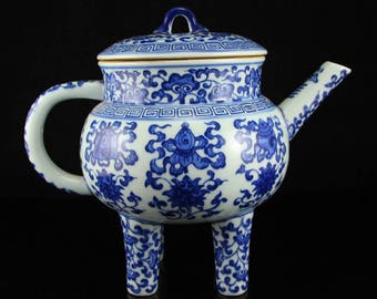N3837 Chinese Qing Dynasty Blue And White Porcelain 4 Legs Teapot