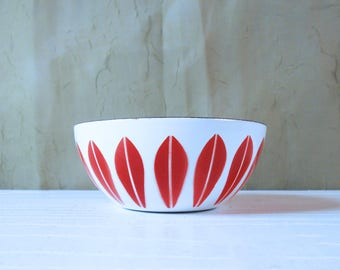 Rare Minty Red on White Cathrineholm Lotus Bowl by Cathrineholm Norway