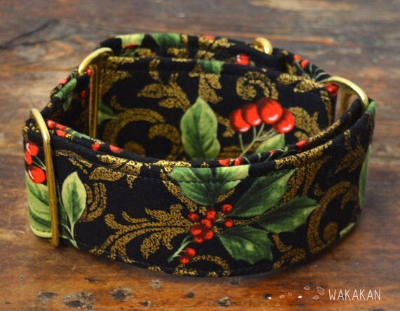 Martingale dog collar model Xmas Spirit. Adjustable and handmade with 100% cotton fabric. Xmas style, gold. Wakakan