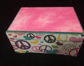 GSbyButts 'Peace on Earth' Decoupaged & Handpainted Jewelry Box