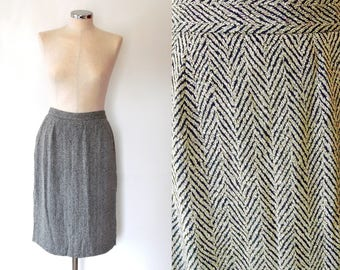 Black and ivory herringbone skirt / Jager / vintage / 80s / high waist / lined / pencil skirt / button / 40s / 50s style wiggle skirt