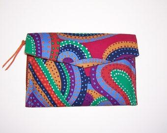 Bold print clutchbag, thin clutchbag, minimalist bag, phone holder, zipper pocket bag