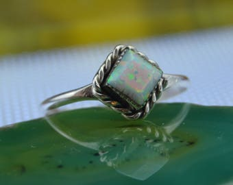 Navajo handmade sterling silver and opal ring size 8.25