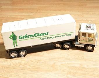 Vintage NYLINT Green Giant Tractor Trailer/Semi-truck/18 Wheeler, Pressed Steel
