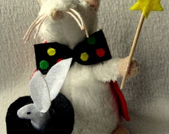 Pipo magician mouse and rabbit