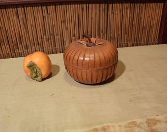 Chinese Bamboo Basket With Lid Persimon Shape