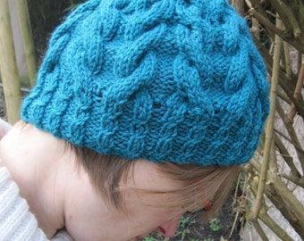 Hat hand knitted soft wool