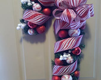 Candy Cane Wreath, Christmas Wreath, Red and White Wreath, Door Wreath, Holiday Wreath, Wreath, Front Door Wreath, Decoration, Christmas