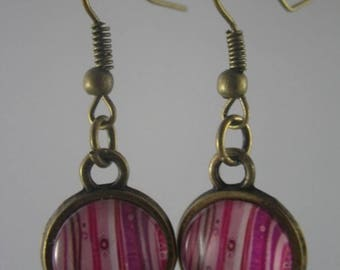 Boucles013 - Earrings cabochon pink stripes and bronze