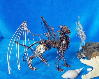 Dragon figurine Miniature dragon Wire dragon Flying dragon
