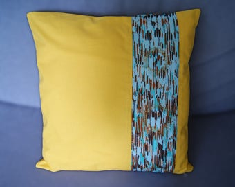 Cushion cover 40 X 40 yellow ethnic spirit and wax