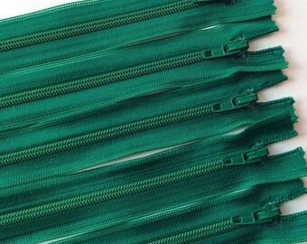 5 * 24.5 cm green zippers