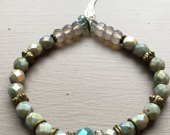 Beautiful faceted glass beaded bracelet.