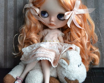 Customized Blythe doll by Carlaxy ready to travel