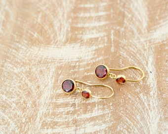 Red Garnet Earrings/Garnet Earrings/Garnet Dangle Earrings/January birthstone