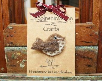 Felt bird brooch - Song Thrush Brooch - bird jewellery - bird hair accessory - gift for bird lover