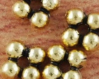 10 gold metal Daisy beads 5mm solid