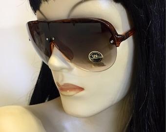 Vintage 1980s plastic Aviators, tortoise frame, black lens , ski, punk, surf, free shipping !!