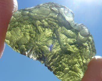 NATURAL MOLDAVITE STONE green tektite 22 x 12 x 8 mm rough raw roh 12.70 cts from Southern Bohemia