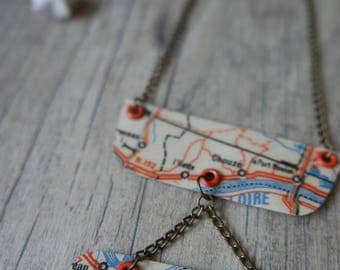 "necklace ""Where are you?"" in orange and blue paper"