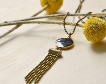 Long necklace Art Deco dark blue resin and brass bronze