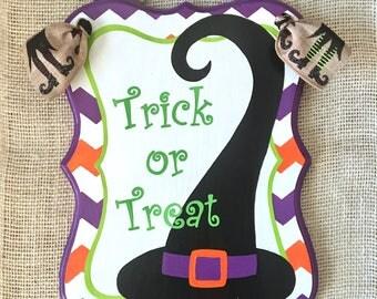 Halloween door hanger - Trick or treat - witch sign