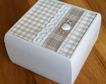 Jewellery/Accessory/Storage/Keepsake/Trinket cream wooden Box