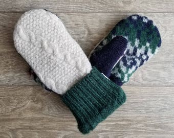Best Wool Sweater Mittens // Womens Sweater Mittens // Fleece Lined mittens // Cream Vintage Sweater with green cuff