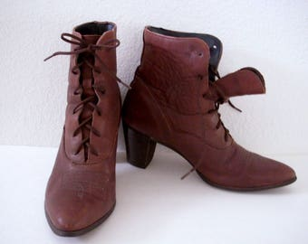 Vintage 90s Brown Leather Ankle Boots by Capezio - Brown Leather Lace Up Boots - Brown Granny Boots Booties - Size 8.5  8 1/2